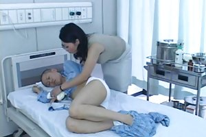 חזה גדול בחורה מקבלת זין עבה המאהב סרטן